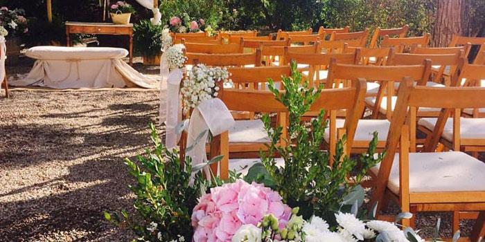 mas-de-12-000-micro-bombillas-iluminan-el-espacio-tradiciones-y-sensaciones-de-fiesta-y-boda-2